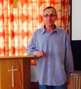 Andy (SU) speaking at Streatham Vale Baptist - 1301415